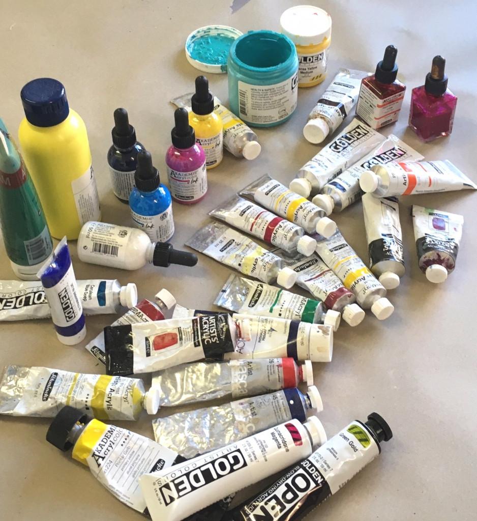Verschiedene Acrylfarben Studien- und Künstlerqualität