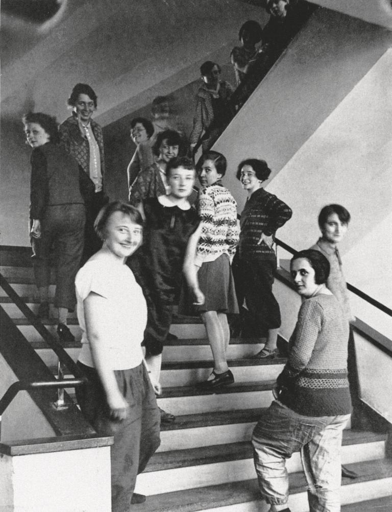 Weberinnen Treppe Bauhaus