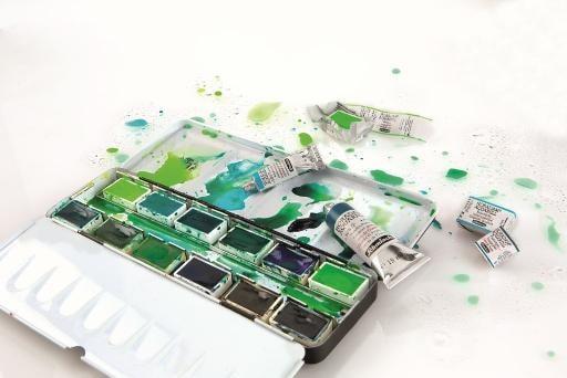 Aquarellfarbkasten mit Grün- und Blautönen Schmincke Horadam Aquarell
