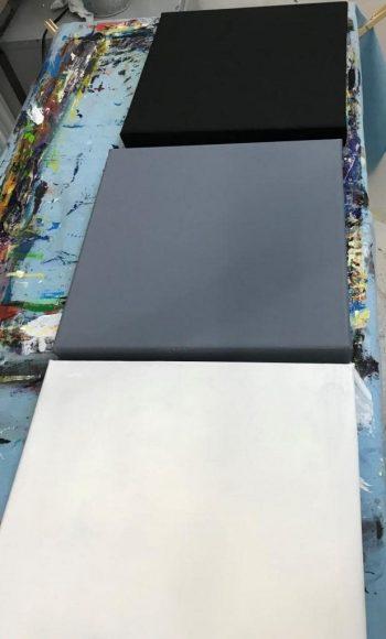 Rathert-Schuetzdeller, Grundierung in schwarz, weiß und mittelgrau