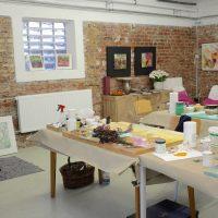 Ein Blick ins Atelier in der Alten Wäscherei (Foto: Brigitte Waldschmidt)